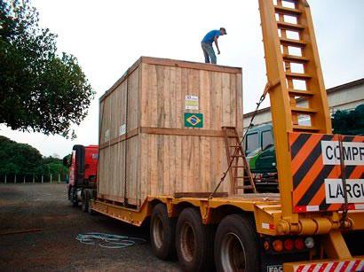 Caixote de madeira para transporte