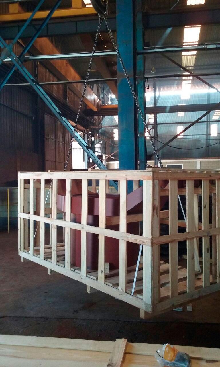 Fornecedor de caixas de madeira
